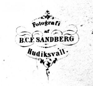 B.C.F. Sandberg, visitkort Typ 1 märke