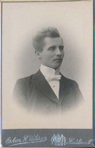 Oskar W. Olsson visitkort Hudiksvall, fram (P313_0004F).