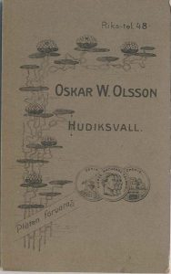 Oskar W. Olsson visitkort Hudiksvall, bak (P313_0006R).