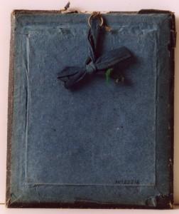 Ambrotyp baksida, ev. fru till Pehr Eriksson i Wik, 157 x 128 mm (Hälsinglands Museum, HM22218)