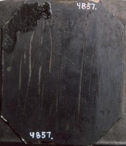 Ambrotyp utan etui, svartmålad baksida, 108 x 90 mm (Hälsinglands Museum, HM4857)