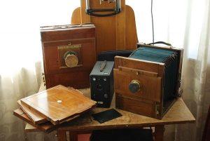 Kameror som enligt uppgift skall ha tillhört Agnes, Alfta Hembygdshus.