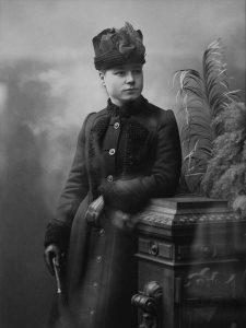 Porträtt av Agnes, bilder från en utställning på Alfta Hembygdsgård.
