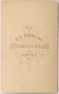 O.G. Sandlin visitkort Järvsö, bak (P315_0001R).