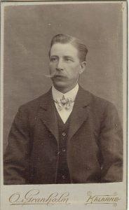 O. Granholm visitkort Kälarne (PF98390).