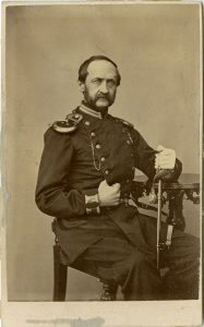 "R. T. Ullström visitkort Söderhamn, ""Carl Otto Fraenell, kapten vid Hälsinge regemente I 14"", ca. 1863/1865, Armeémuseum (DigitalMuseum AMA0007296)."