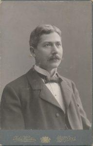 Porträtt på John Wigsten (PF185940).